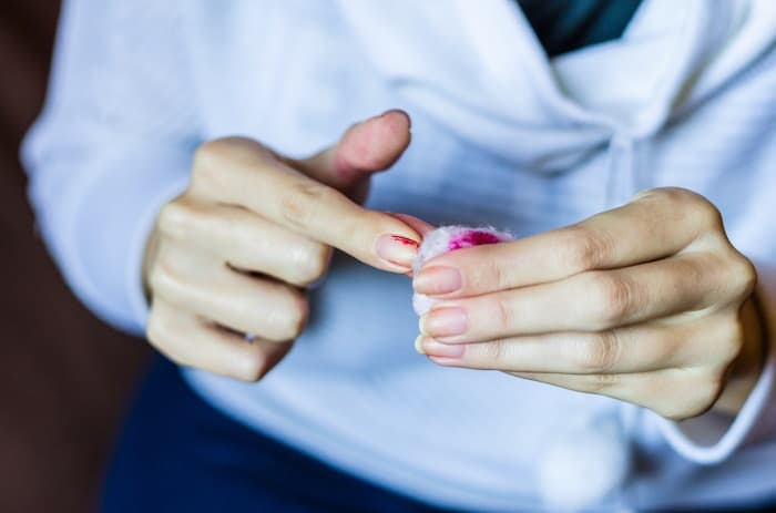 How to Choose the Best Nail Polish Remover Substitute